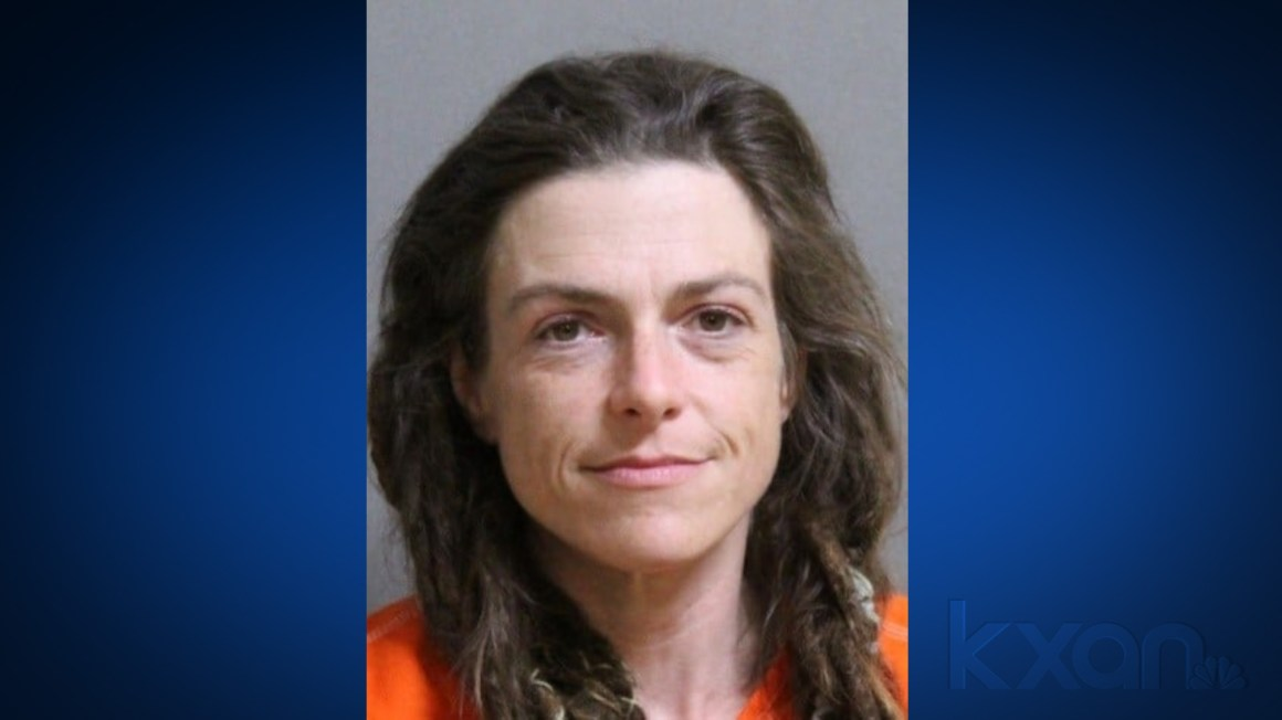 Deputies: Woman confessed to stabbing roommate found dead on rural Lee County road