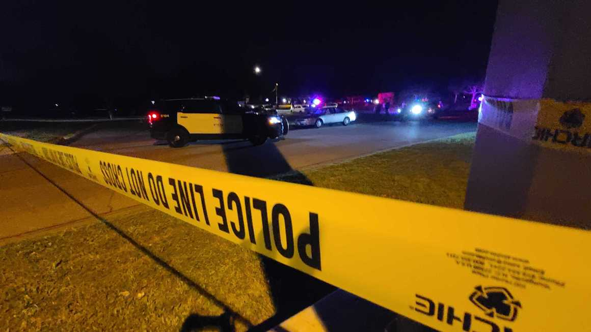2 shot, 1 stabbed near east Austin park during Easter celebrations