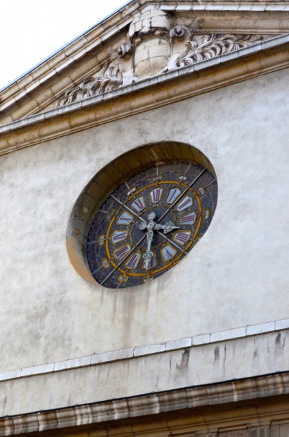 Saint Louis church clock in Grenoble by Kyesos