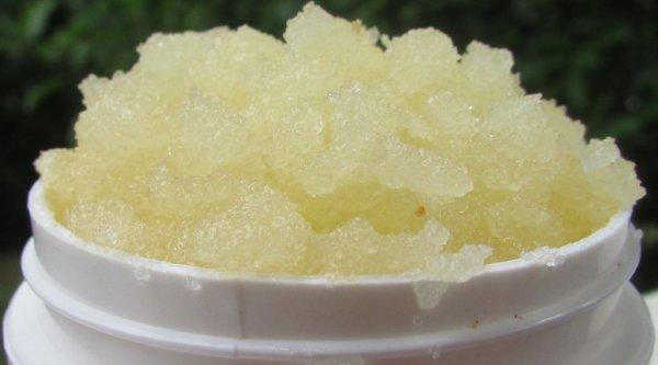 diy all natural body scrub using lavender essential oil