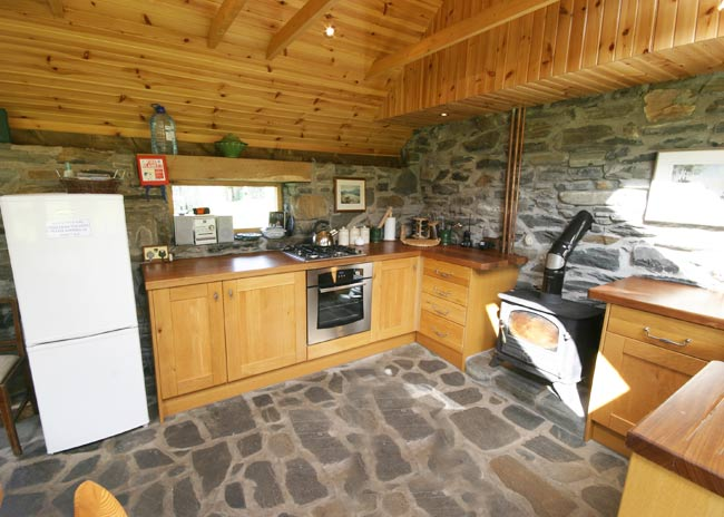 inverie_accommodation_schoolhouse_bothy (4)