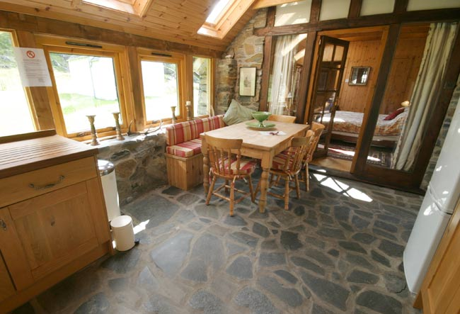inverie_accommodation_schoolhouse_bothy (7)