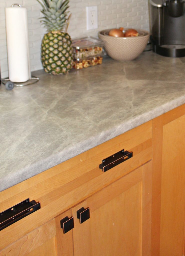 Light Maple Cabinets With White Countertops - fallenangel ... on Maple Cabinets With White Countertops  id=13291