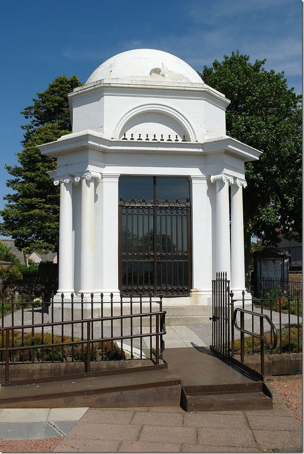 Robert_Burns_Mausoleum,_Dumfries