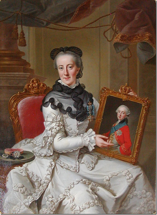 Juliane_Marie holding picture of son Frederick