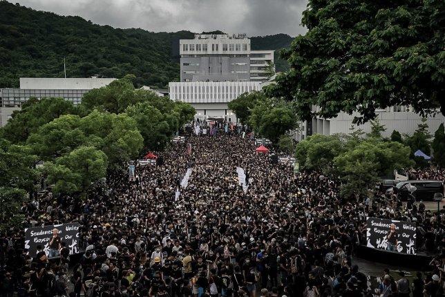 Hong-Kong-students-boycott-schools-amid-continued-protests.jpg