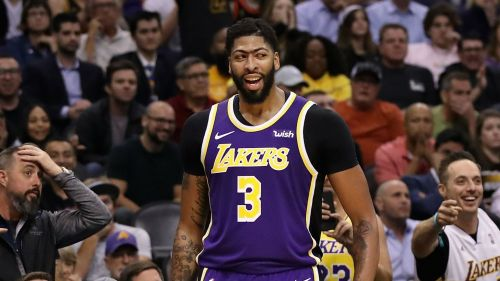 Los-Angeles-Lakers-star-Anthony-Davis-has-been-ruled-out-of-the-NBA-clash-with-the-Golden-State-Warriors..jpg
