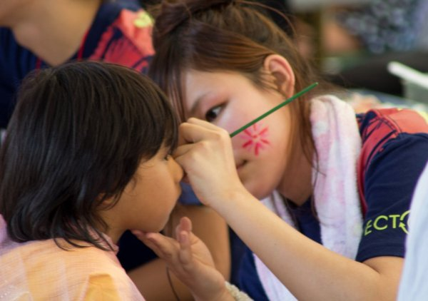 japanese_girls_makeup_in_summer