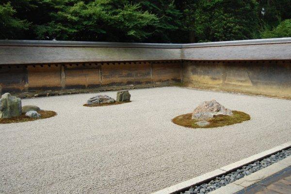 ryoanji_temple_zen_garden_kyoto