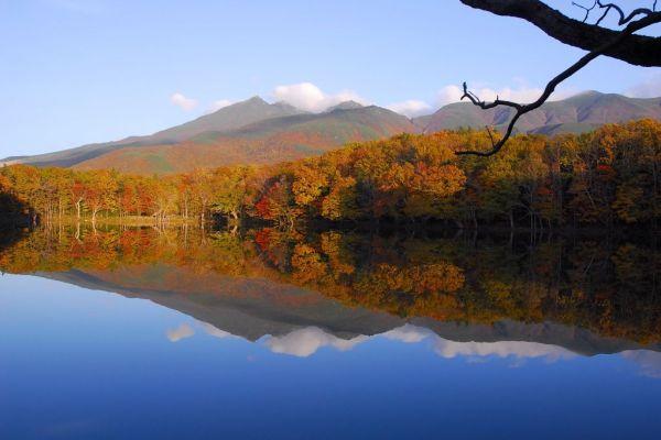 autumn_colors_shiretoko_five_lakes