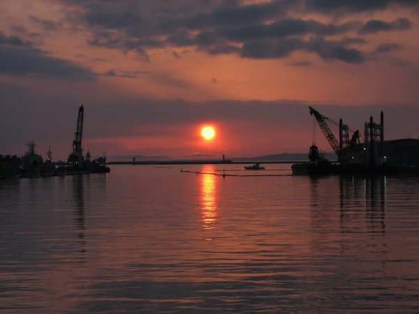 sunset_view_nusamai_bridge_kushiro