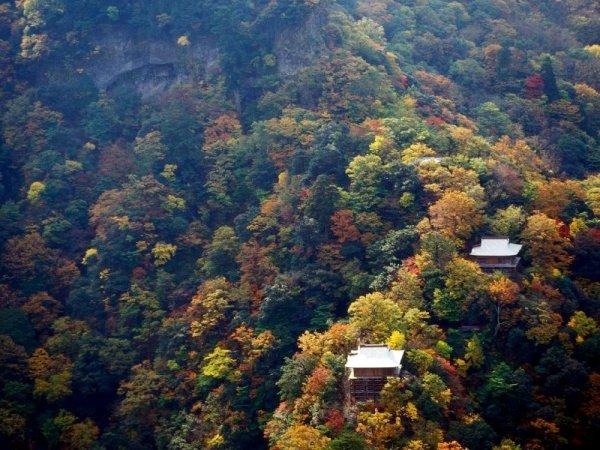 mount_mitoku_in_autumn
