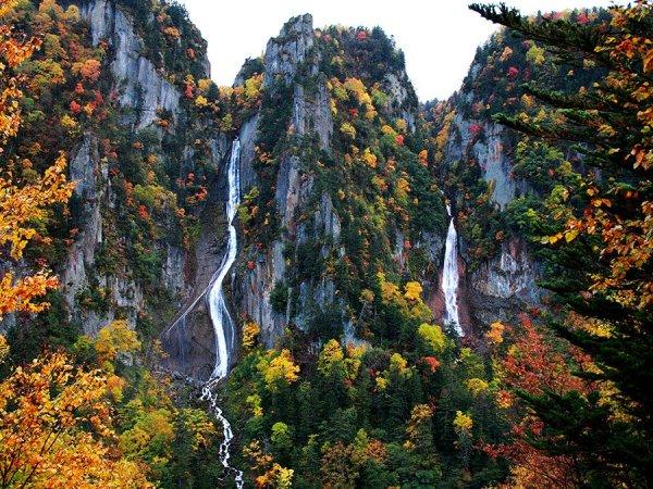 ryusei_and_ginga_waterfalls_sounkyo