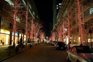 marunouchi_street_in_winter_tokyo