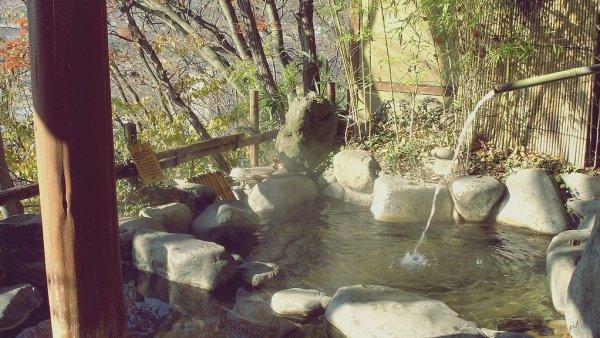 outdoor_onsen_bath_japan