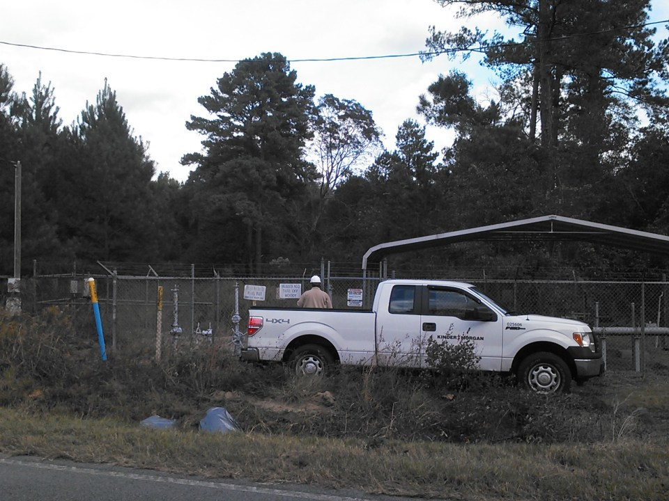 1600x1200 Kinder Morgan employee called from Tallahassee, in Berrien break, by John S. Quarterman, 6 November 2014