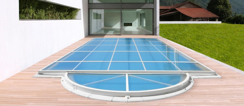 extra plat l 39 abri de piscine comment choisir son prochain abri. Black Bedroom Furniture Sets. Home Design Ideas