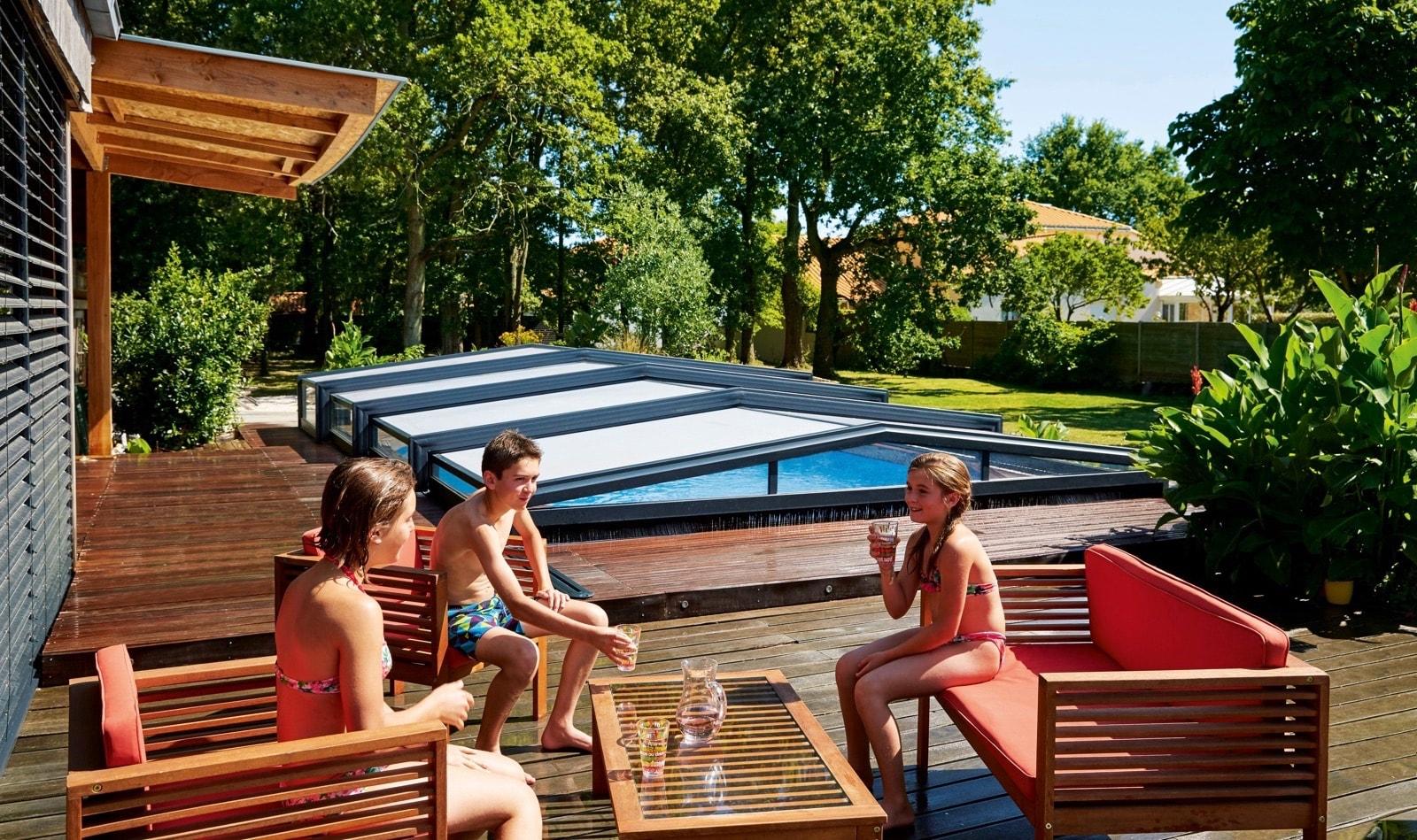 r noval l 39 abri de piscine comment choisir son prochain. Black Bedroom Furniture Sets. Home Design Ideas