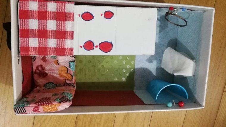 maison de poupée en tissu vue de dessus