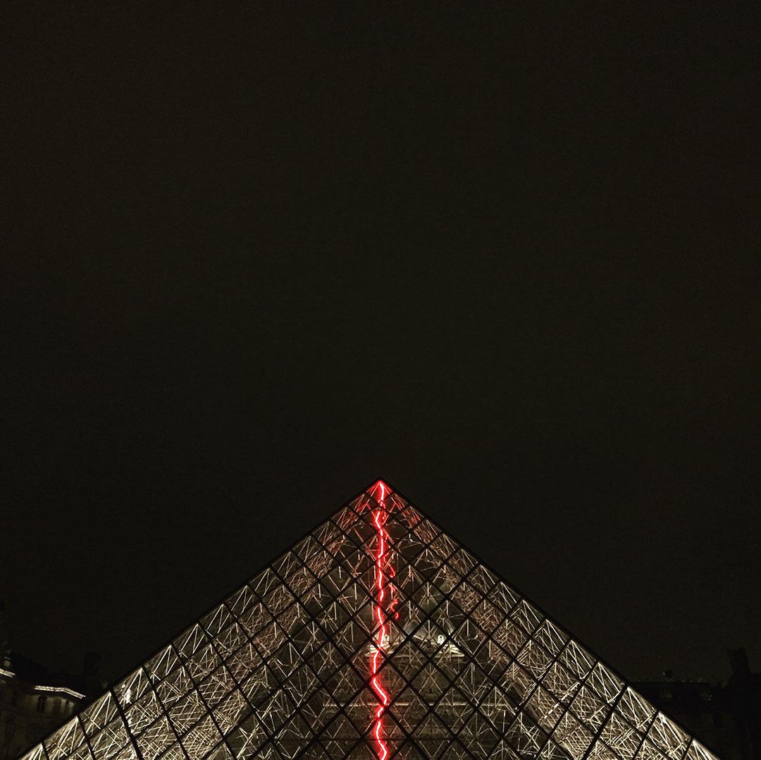2_pyramide_louvre_claude_leveque