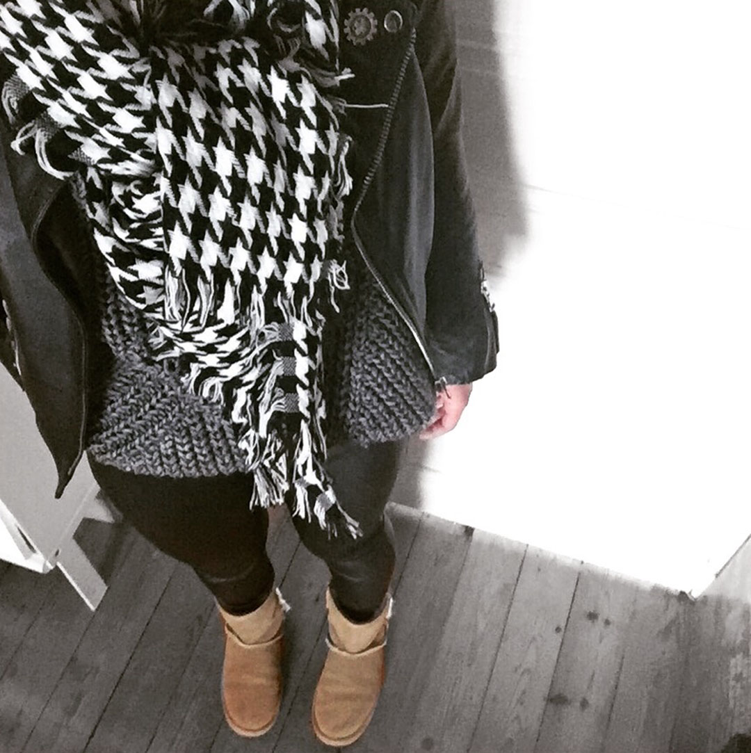 5_look_blog_mode_legging_cuir_shine_blossom_pull_eleven_paris_echarpe_sheinside