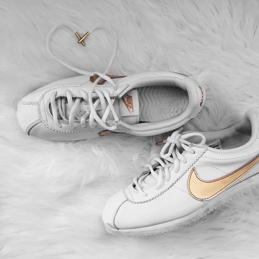 4_look_blog_mode_nike_cortez_blanc_or