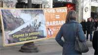 galerie de photo de stand contre le gavage des canards pour la production de foie gras