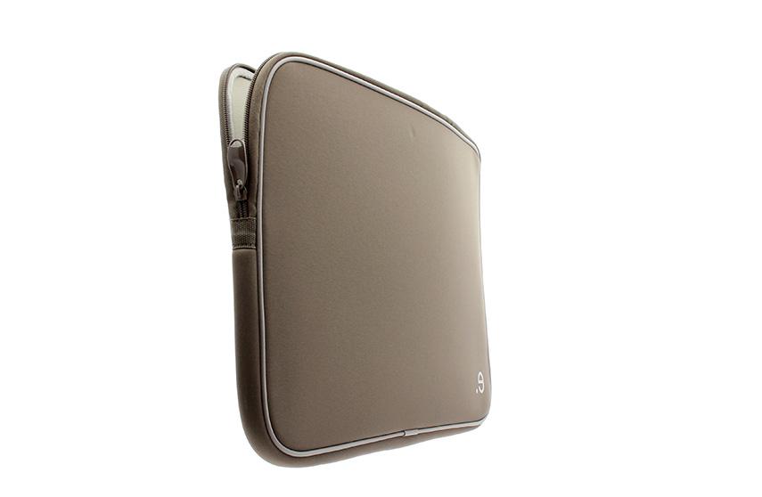 LArobe MacBook Pro 17″ (Cannelle)