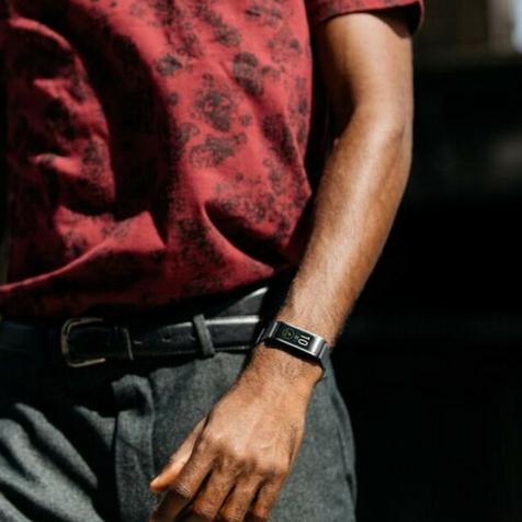 ZeFit 4 cadran noir bracelet noir MyKronoz