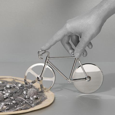 Roulette à pizza vélo argent DOIY
