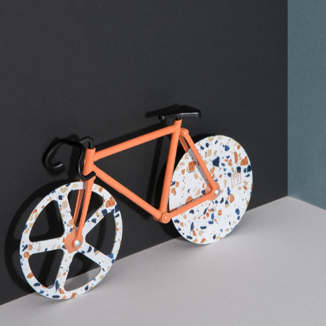 Roulette à pizza vélo Terrazzo DOIY