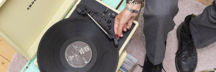 la collection crosley platine vinyle pas cher cruiser deluxe fawn