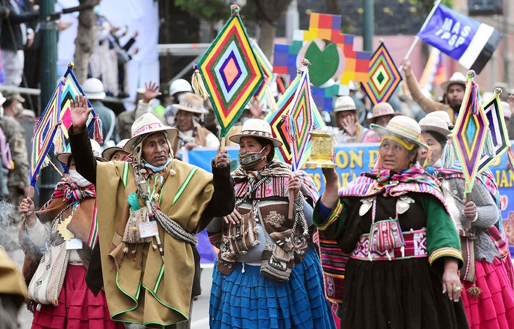 Desfile Bolivia