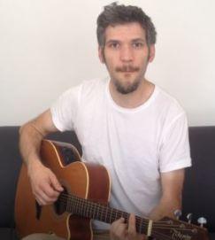 Louis de la guitare en 2 semaines