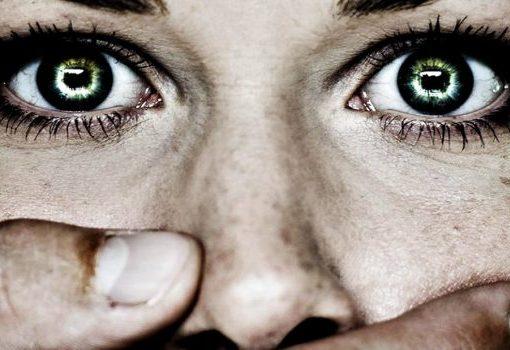 """< img src=""""https://www.la-notizia.net/donne"""" alt=""""donne"""""""