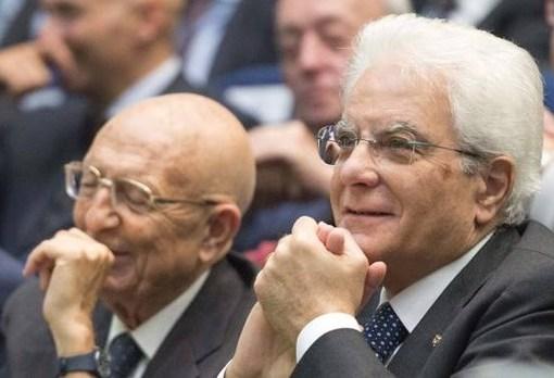 "< img src=""https://www.la-notizia.net/spoils"" alt=""spoils"""