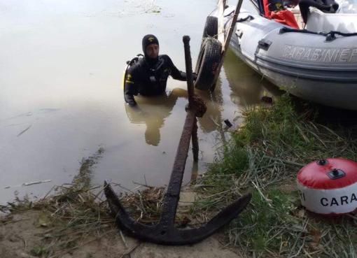 "< img src=""https://www.la-notizia.net/subacquei"" alt=""subacquei"""