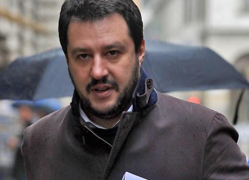 """< img src=""""https://www.la-notizia.net/il-senato"""" alt=""""il senato"""""""