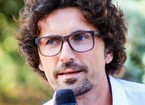 """< img src=""""https://www.la-notizia.net/toninelli"""" alt=""""toninelli"""""""
