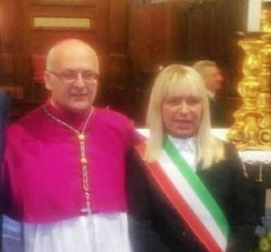 """< img src=""""https://www.la-notizia.net/massara"""" alt=""""massara"""""""