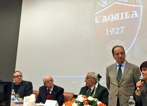 """< img src=""""https://www.la-notizia.net/90"""" alt=""""90"""""""