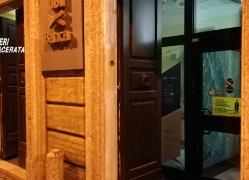 "< img src=""https://www.la-notizia.net/montefano"" alt=""montefano"""