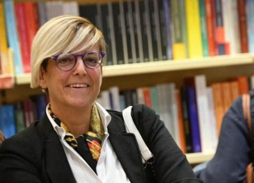"< img src=""https://www.la-notizia.net/curtis"" alt=""curtis"""