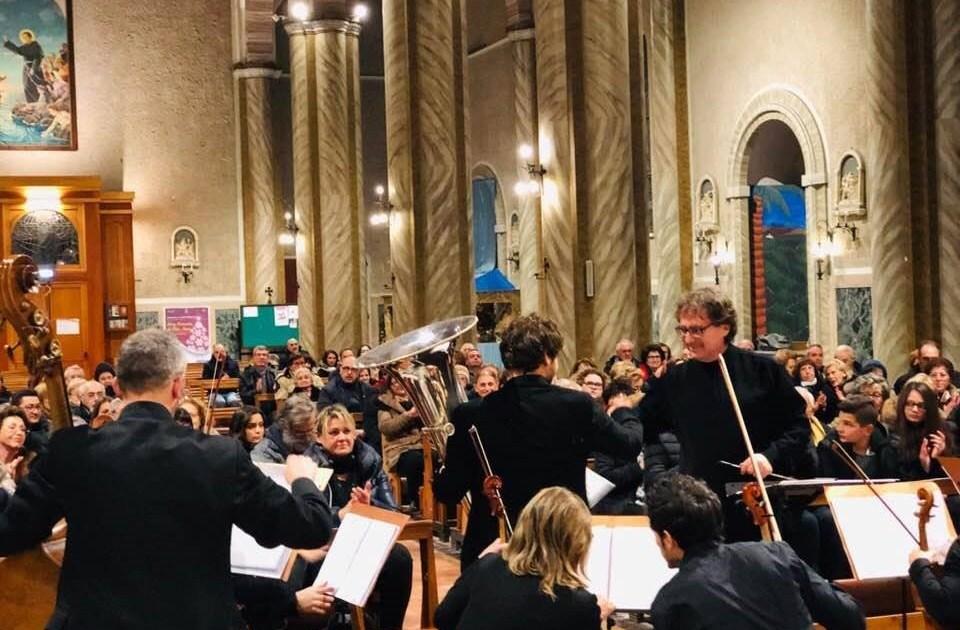 """< img src=""""https://www.la-notizia.net/sinfonici"""" alt=""""sinfonici"""""""