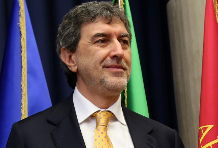 "< img src=""https://www.la-notizia.net/giunta"" alt=""giunta"""