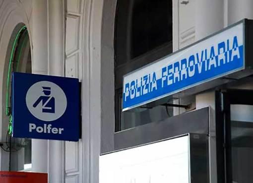 """< img src=""""https://www.la-notizia.net/polizia-ferroviaria"""" alt=""""polizia ferroviaria"""""""