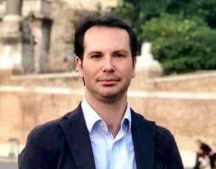 """< img src=""""https://www.la-notizia.net/massaro"""" alt=""""massaro"""""""