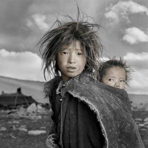 Crédit photo Phil Borges_JIGME & SONAM_Portrait Tibétain