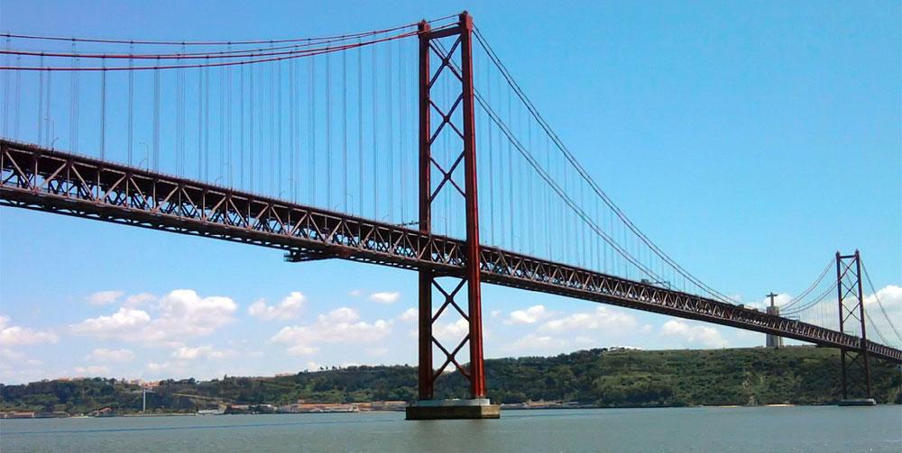 Pont-25-avril-Lisbonne-vue