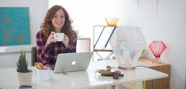 elsa-rande-atelier-deco-design-corbeilles-lampes-meubles-scoubidou